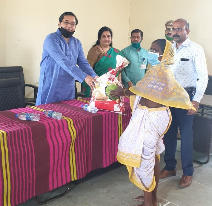 Ration distribution in forest range area ,Thane by Suryodaya Foundation